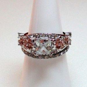 SET Ring Size 8.5 Simulated Diamond Flower 248
